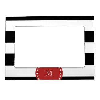 Modelo blanco negro de las rayas, monograma rojo foto de imanes