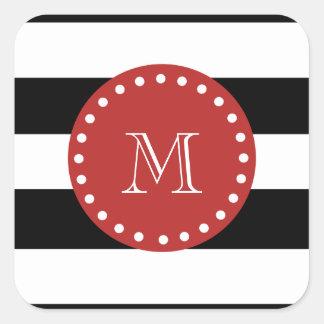 Modelo blanco negro de las rayas, monograma rojo pegatina cuadrada
