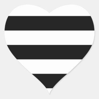 modelo blanco negro de las rayas pegatina en forma de corazón