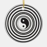 Modelo blanco negro de los círculos concéntricos d ornamentos de reyes