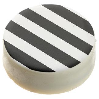 Modelo blanco negro moderno de las rayas