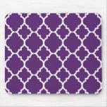 Modelo blanco púrpura del marroquí de Quatrefoil Mouse Pad