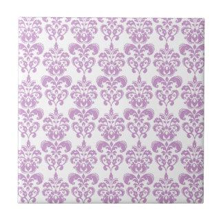Modelo blanco púrpura femenino 2 del damasco del v azulejo