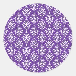 Modelo blanco púrpura oscuro del damasco del pegatina redonda
