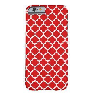 Modelo blanco rojo #5 de Quatrefoil del marroquí Funda De iPhone 6 Barely There