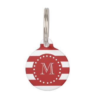 Modelo blanco rojo de las rayas, su monograma placa para mascotas