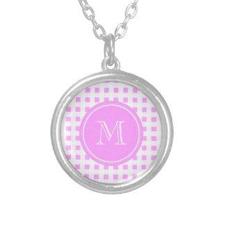 Modelo blanco rosado de la guinga su monograma joyerías