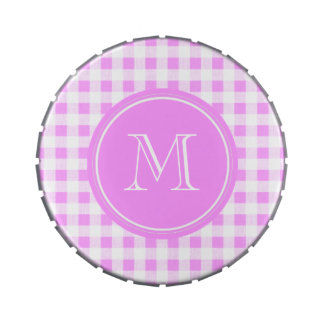 Modelo blanco rosado de la guinga, su monograma frascos de caramelos