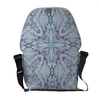 Modelo blanco y azul abstracto bolsas messenger