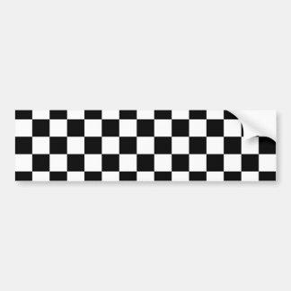 Modelo blanco y negro a cuadros etiqueta de parachoque