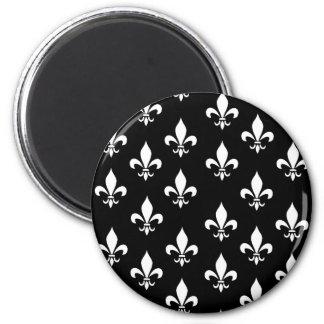Modelo blanco y negro de la flor de lis imán redondo 5 cm