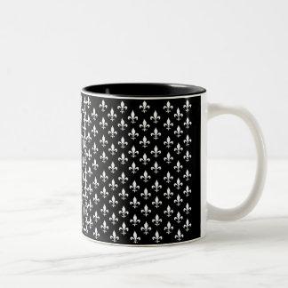 Modelo blanco y negro de la flor de lis taza