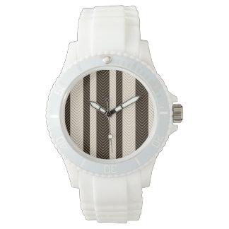 Modelo blanco y negro de la raspa de arenque relojes de mano