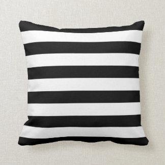Modelo blanco y negro de la raya cojin