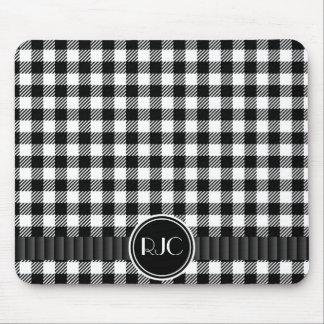 Modelo blanco y negro de la tela escocesa de la gu alfombrilla de ratón