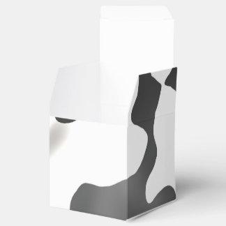 Modelo blanco y negro de la vaca del país cajas para detalles de boda