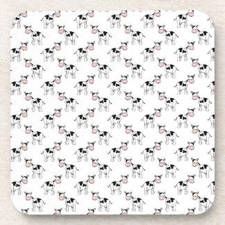 Modelo blanco y negro de la vaca posavasos