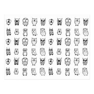 modelo blanco y negro de los búhos del dibujo postal