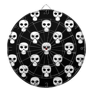Modelo blanco y negro de los cráneos tabla dardos