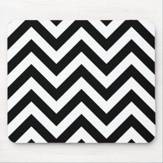 Modelo blanco y negro de los galones del zigzag tapete de ratón