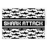 Modelo blanco y negro de los tiburones del ataque  tarjetón