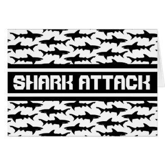 Modelo blanco y negro de los tiburones del ataque tarjeta de felicitación