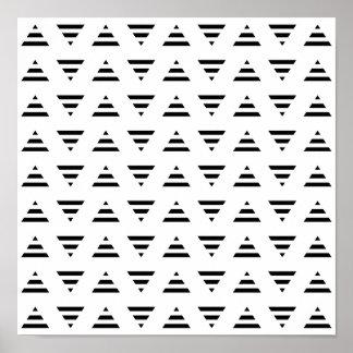 Modelo blanco y negro de los triángulos de la raya póster