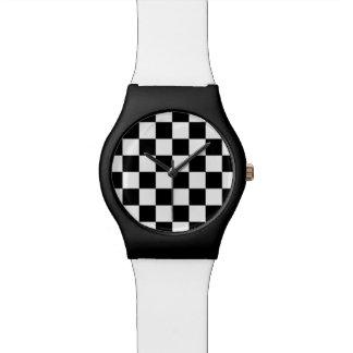 Modelo blanco y negro del control relojes de mano