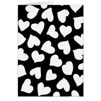 Modelo blanco y negro del corazón tarjeta de felicitación