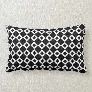 Modelo blanco y negro del diamante almohada