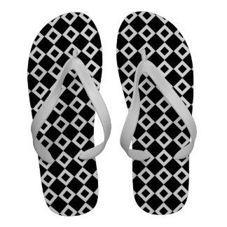 Modelo blanco y negro del diamante chanclas playa