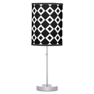 Modelo blanco y negro del diamante lámpara de mesa