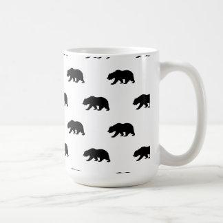 Modelo blanco y negro del oso grizzly taza