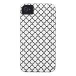 Modelo blanco y negro del trébol de Quatrefoil iPhone 4 Case-Mate Carcasas