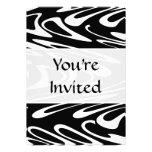 Modelo blanco y negro enrrollado invitacion personal