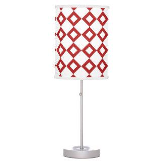 Modelo blanco y rojo del diamante