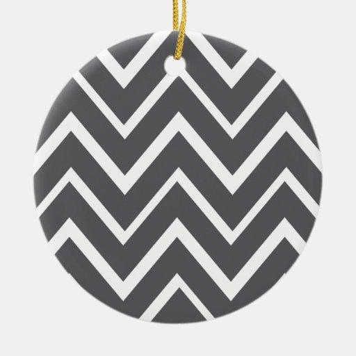 Modelo caprichoso gris oscuro del galón del zigzag adorno redondo de cerámica