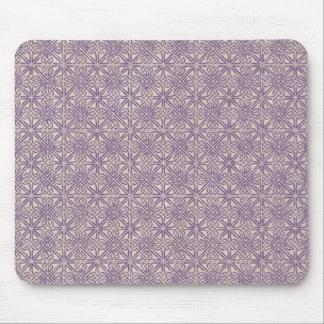 Modelo céltico de la púrpura del nudo tapete de ratón