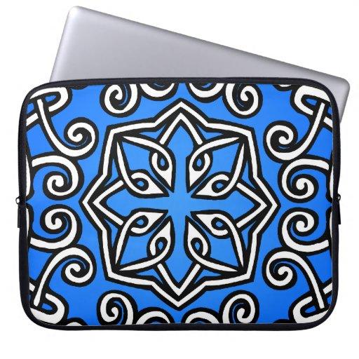 Modelo céltico en azul funda ordendadores