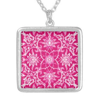 Modelo chino de Nouveau del arte - rosa de Fuschia Collar Plateado