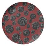 Modelo color de rosa rojo oscuro y negro platos