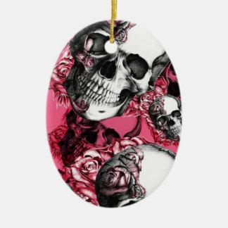 Modelo color de rosa rosado del cráneo adorno navideño ovalado de cerámica