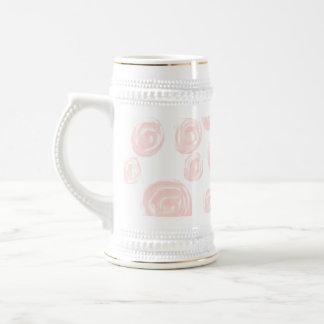 Modelo color de rosa rosado suave bonito en blanco tazas de café