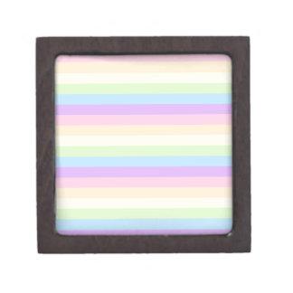 Modelo coloreado arco iris en colores pastel de la cajas de recuerdo de calidad