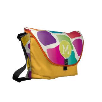 Modelo colorido brillante de la jirafa del bolsa de mensajeria