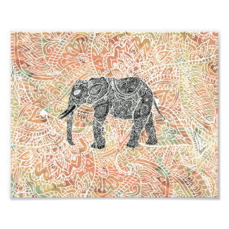 Modelo colorido de la alheña del elefante tribal d cojinete