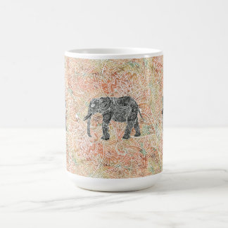 Modelo colorido de la alheña del elefante tribal d taza