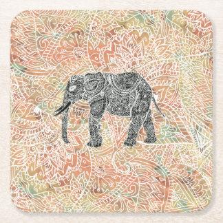 Modelo colorido de la alheña del elefante tribal posavasos personalizable cuadrado