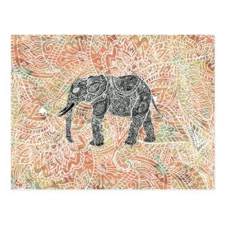 Modelo colorido de la alheña del elefante tribal postal