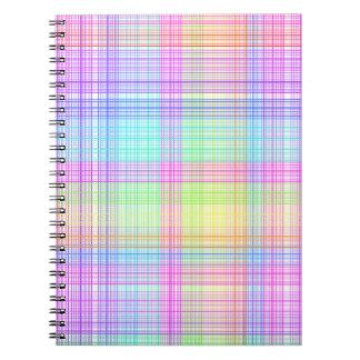 Modelo colorido de la tela escocesa libro de apuntes con espiral